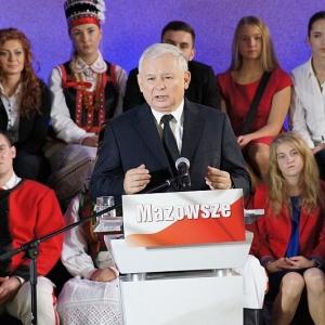 Jaros�aw Kaczy�ski podczas mazowieckiej konwencji PiS w Kadzidle, fot. eOstroleka.pl