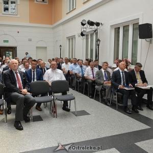 XX sesja Rady Powiatu w Ostro��ce, fot. eOstro��ka.pl