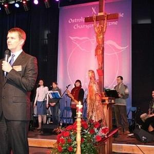 Norbert Dawidczyk z Odnowy w Duchu �wi�tym w Ostro��ce podczas X OSCH